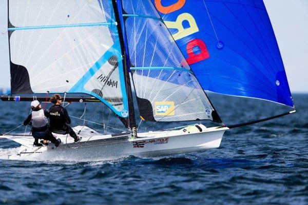Meilleure performance française pour Lili et Albane aux Championnats d'Europe de dériveur olympique !